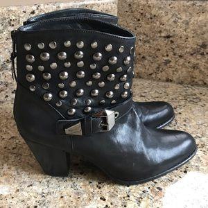 Woman's Stuart Weitzman Boots, Size 10